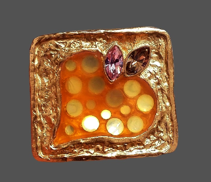 Square shaped heart brooch. Jewelry alloy, crystals. 3.2 cm