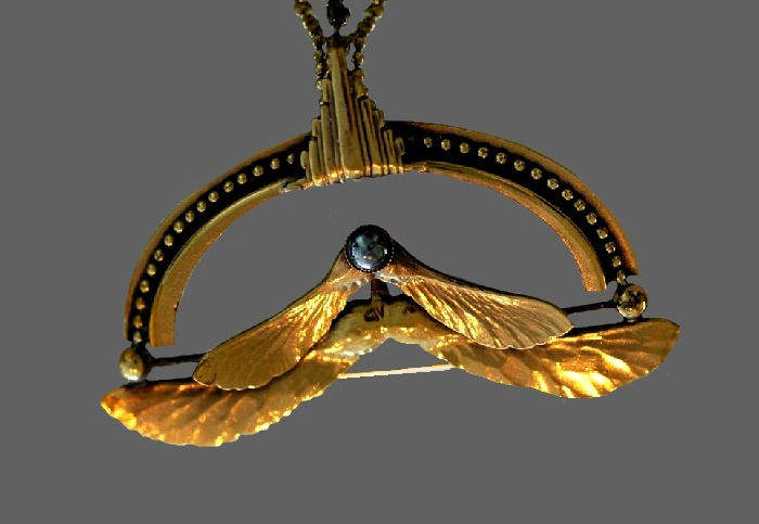 Wings of gragonfly pendant. Gold tone metal