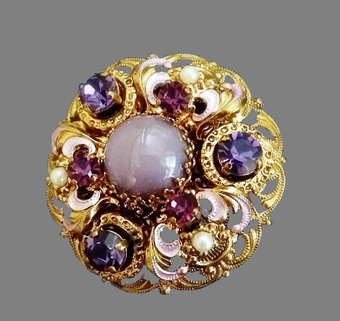 1950s brooch made of brass, gold plated, Swarovski crystals, enamel. 4.6 cm