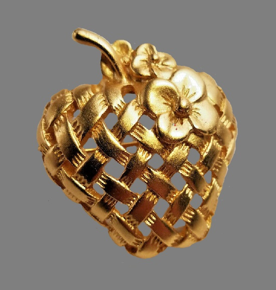 Basket weave Strawberry Flower Pin of gold tone