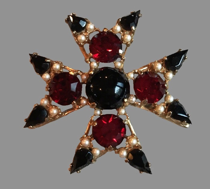 Black and red glass cabochon Maltese cross brooch with faux pearls