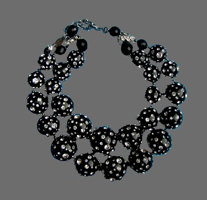 Black crystal spotted balls necklace