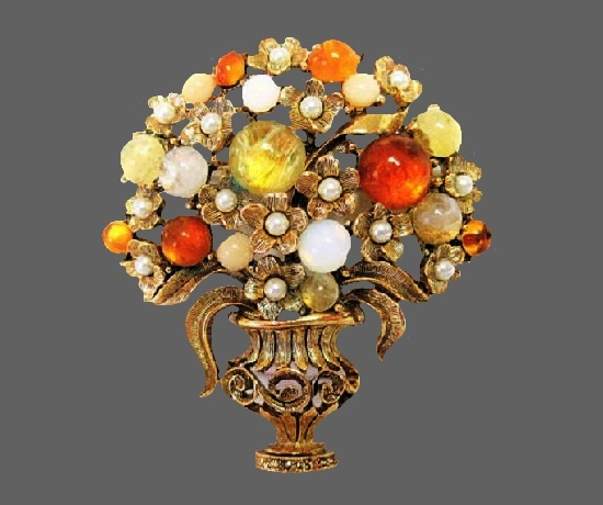 Bouquet of flower in a vase brooch. Gold tone metal alloy, cabochons, moonstone, faux pearls, crystals. 6 cm