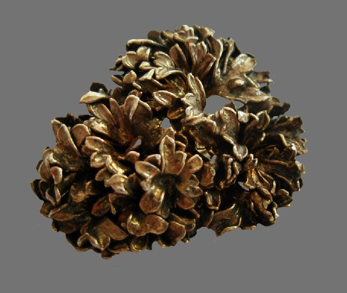 Bunch of flowers vermeil brooch