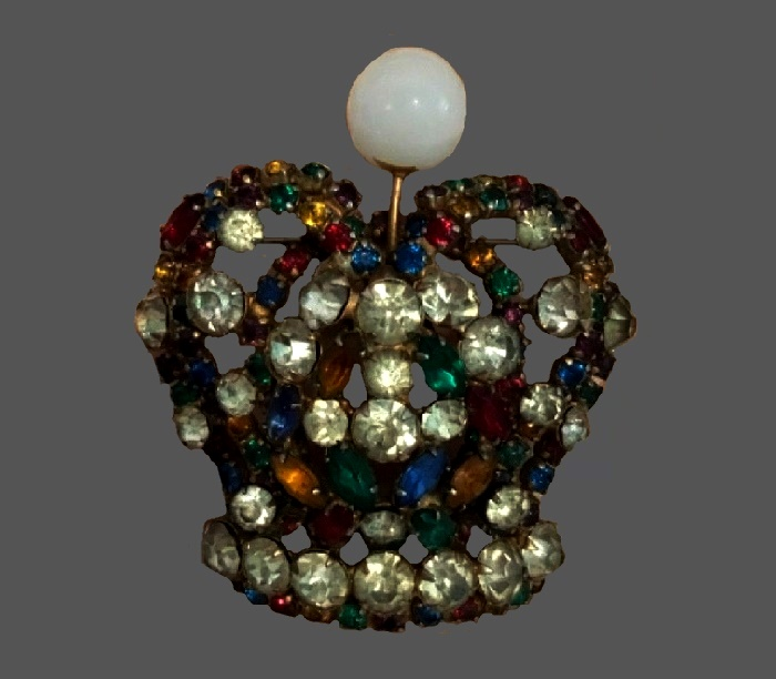 Crown brooch. Vintage, jewelry alloy, rhinestones, crystals. Signed Vogue