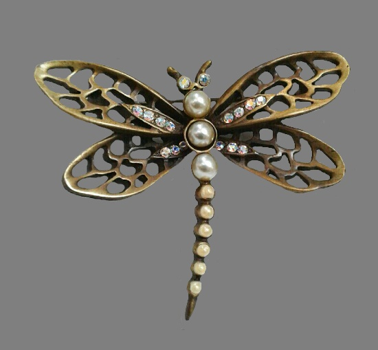 Dragonfly brooch. Pewter, faux pearls, crystals. 6.3 cm. Oscar de la Renta vintage costume jewelry