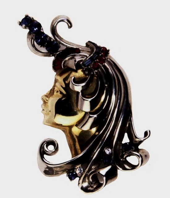 Female head brooch. 1941