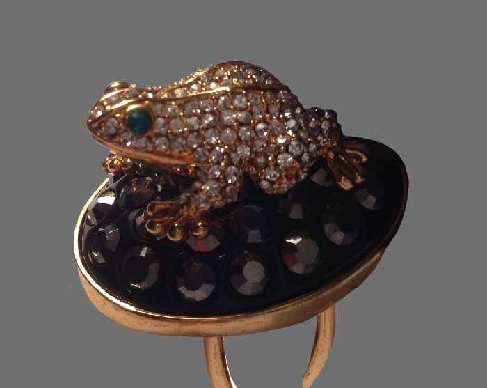 Frog statement ring. Gold plated brass, swarovski crystals, glass