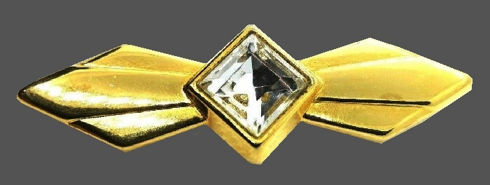 Geometrical bow gold tone brooch