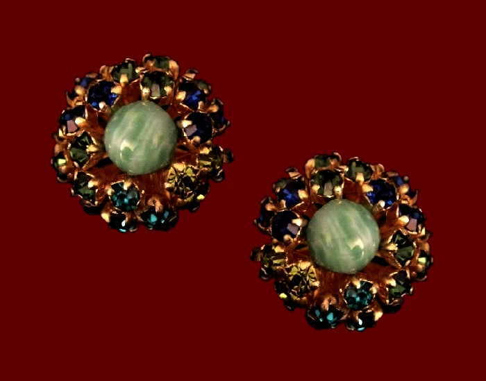 Green cabochon and multicolor crystals clips. 2 cm