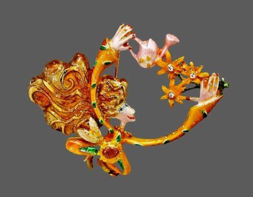 Gardener brooch from 'Fancyiful Flights' series. 6 cm. Jewelry alloy, enamel. 2003