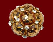 Marked Vogue Jlry 1950s vintage brooch. Gold tone jewelry alloy, Swarovski crystals. 4 cm