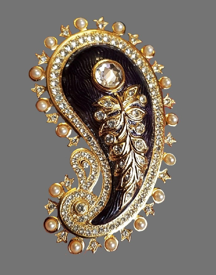 Paisley vintage brooch. Jewelry alloy, gold tone, faux pearls, rhinestones, enamel