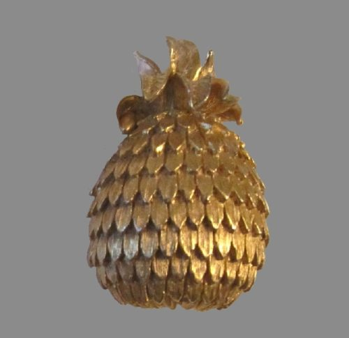 Pineapple gold tone brooch