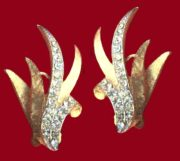 Plant motif gold tone clear rhinestones earrings