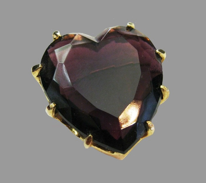 Purple heart brooch. Gold tone metal, art glass. 1950s