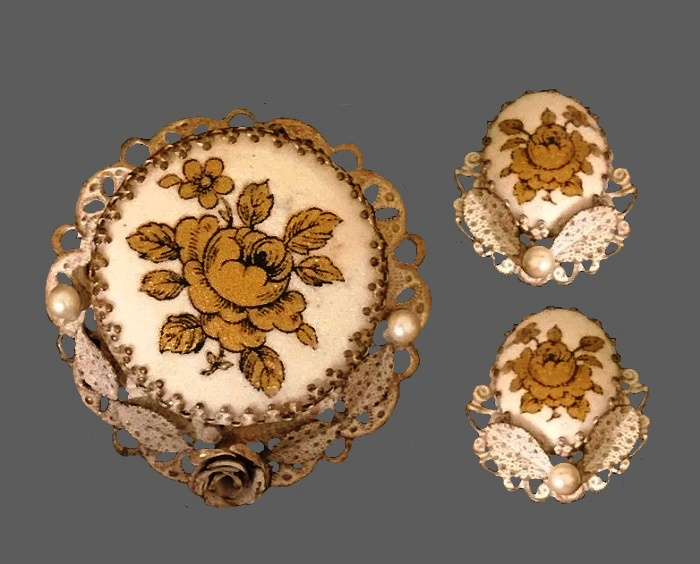 Rose brooch and clips. 1950s. Jewelry alloy, filigree, handpainted. 5 cm