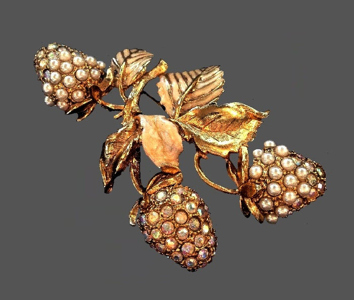Strawberry brooch. Gold tone jewelry alloy, rhinestones, faux pearls