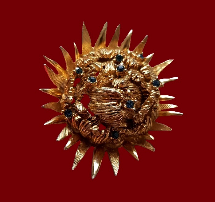 Sunflower brooch. Gold tone jewelry alloy, rhinestones. 5.5 cm. 1960s