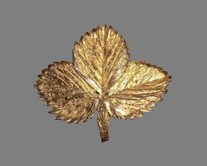 Three leaf brooch. 1950s. Marked Flora Danica Sterling 925 Eggert Denmark, textured surface gold on silver
