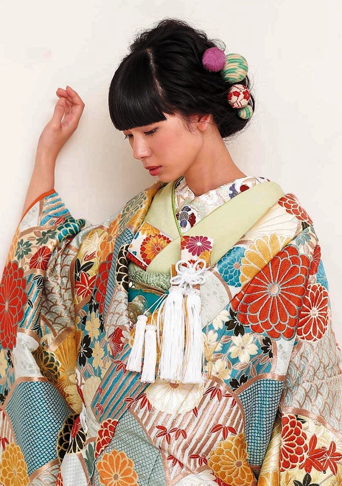 Unique style of hair decorations of Japanese women