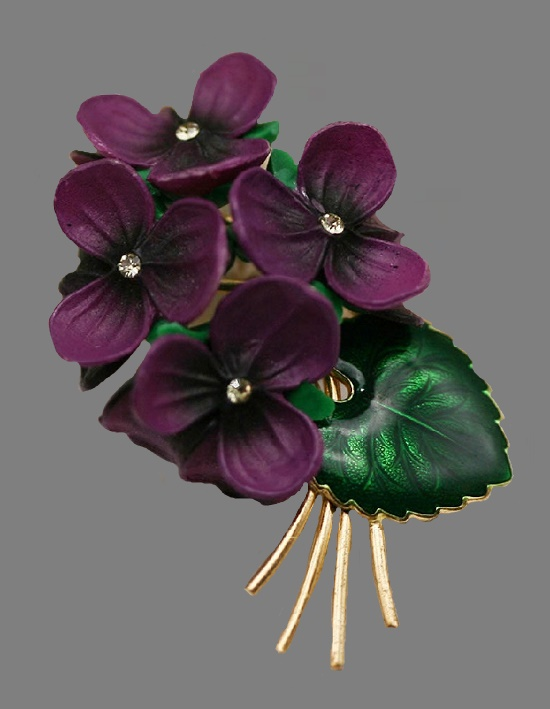 Violet flower brooch. Gold tone jewelry alloy, enamel, resin, crystals. 5.5 cm