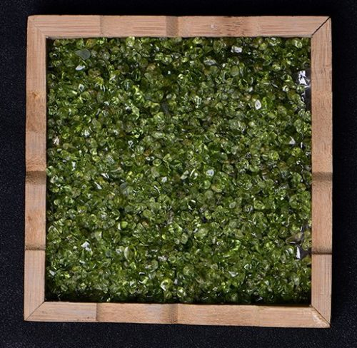 Wall decoration – olivine in frame