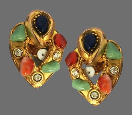 1980s vintage gold tone earrings in Byzantine style, decorated with lapis lazuli, agate, oxydes