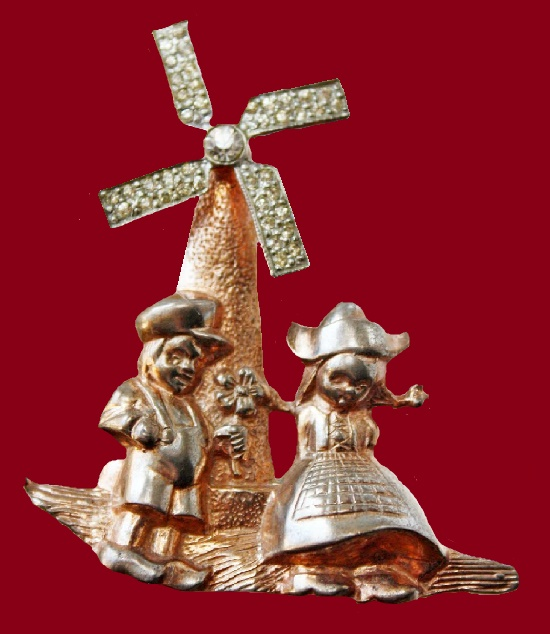 A couple at the Mill, a rare brooch. 1940's. Silver, gilding, crystals. Length - 6 cm, width - 5 cm