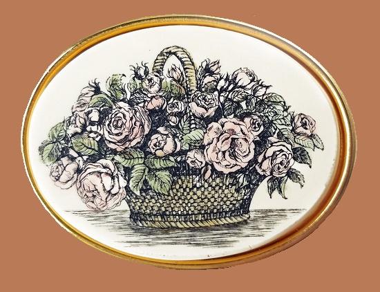 Basket of flowers brooch. 24 K gold plated. 4 cm. 1980s