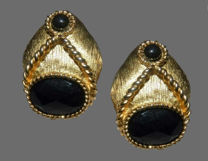 Black onyx gold tone clips