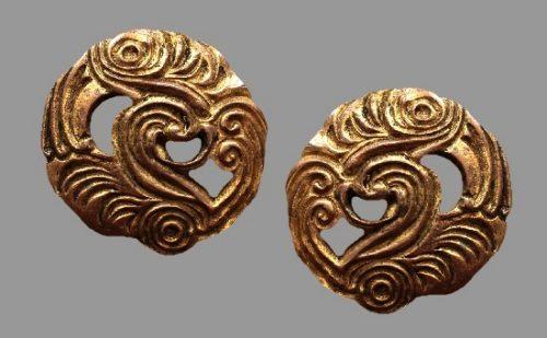 Bronze tone round clips