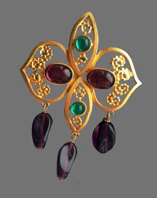 Brooch with pendants. Gold tone metal, amethyst and emerald tone cabochon, beads. 9 cm