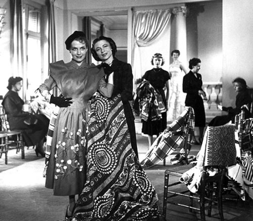 Carmen de Tommaso (31 August 1909 – 8 June 2015) with her model. Source - magazine vogue, Russia