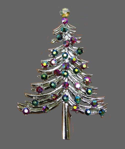 Christmas tree vintage brooch. Silver tone jewelry alloy, rhinestones, crystal