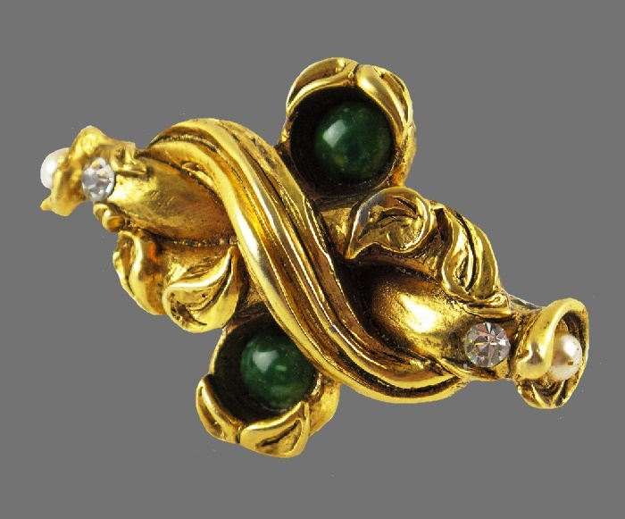 Curled shape gold tone rhinestone pearl glass cabochon brooch