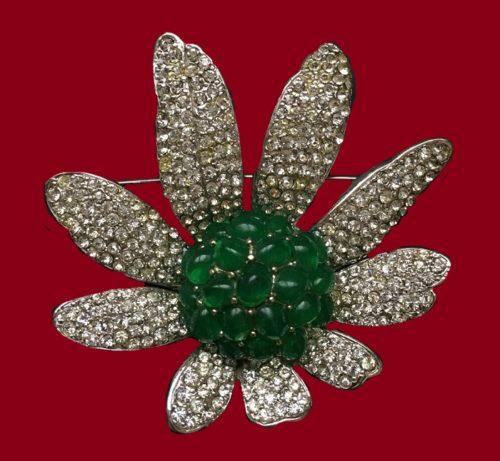 Daisy flower vintage brooch. Green glass cabochon, jewelry alloy, rhinestones. 1960s