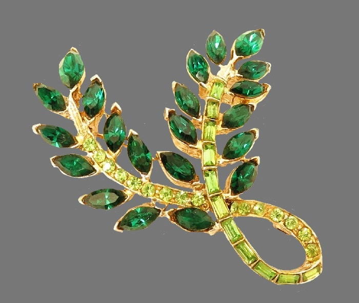 Emerald green rhinestone gold tone alloy leaf brooch