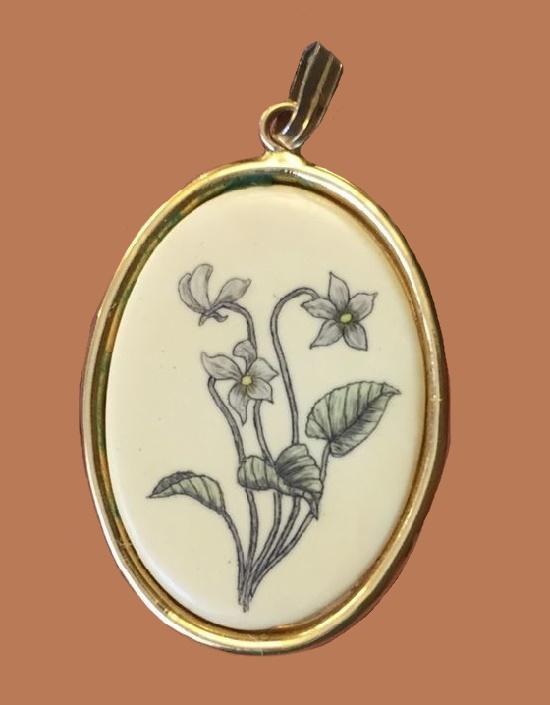 Flower oval pendant