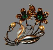 Green rhinestones faux pearl flower brooch