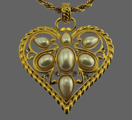 Heart necklace. Gold tone, faux pearls, rhinestones
