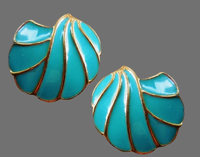Seashell turquoise earrings