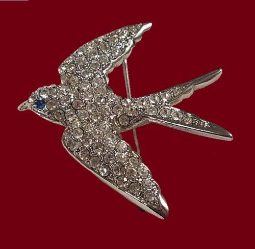 Swallow vintage brooch. Silver tone jewelry alloy, rhinestones