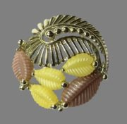 Lucite leaves gold tone brooch 1950-1960s