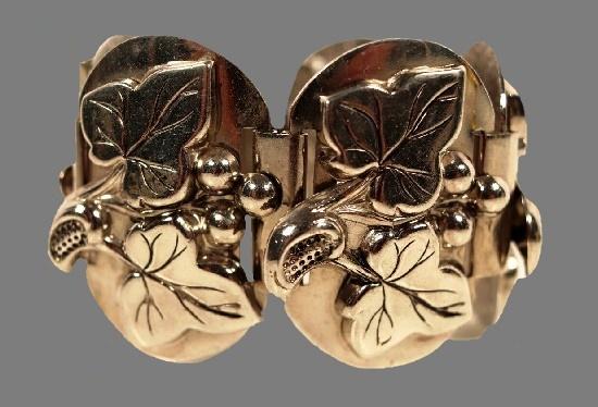 Wide leaf motif silver tone bracelet. 1950s