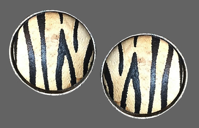 Zebra stripe round shaped earrings. Jewelry alloy, leather