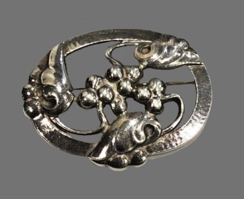 Authentic 925 sterling silver oval brooch