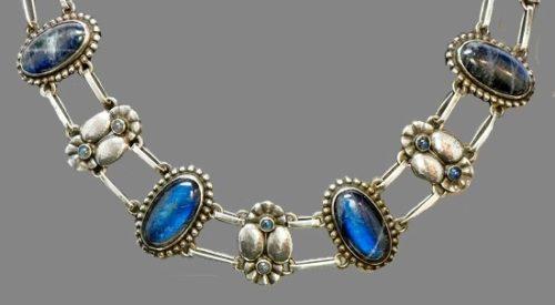 Early 1915-1920 Georg Jensen oval cabochon labradorite silver necklace