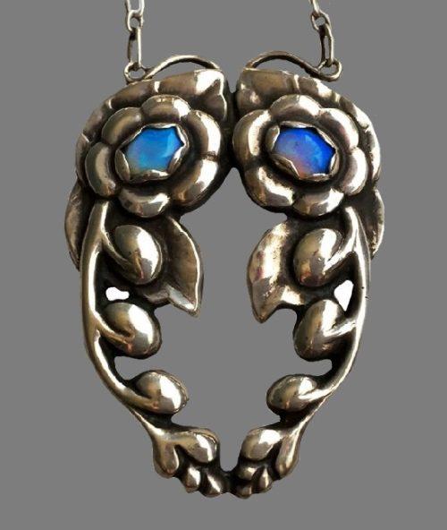 Floral design silver necklace