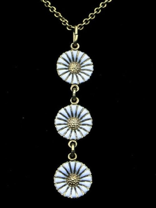 Gilded silver three daisy pendant. Silver, white enamel